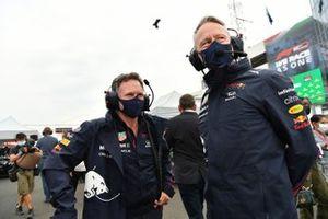 Christian Horner, teambaas Red Bull Racing, en Jonathan Wheatley, teammanager Red Bull Racing, op de startgrid