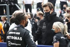 Lewis Hamilton, Mercedes, 1st position, with Toto Wolff, Team Principal and CEO, Mercedes AMG, and Angela Cullen, Physio for Lewis Hamilton, after the race