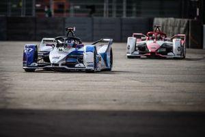 Jake Dennis, BMW i Andretti Motorsport, BMW iFE.21, Joel Eriksson, Dragon Penske Autosport, Penske EV-5