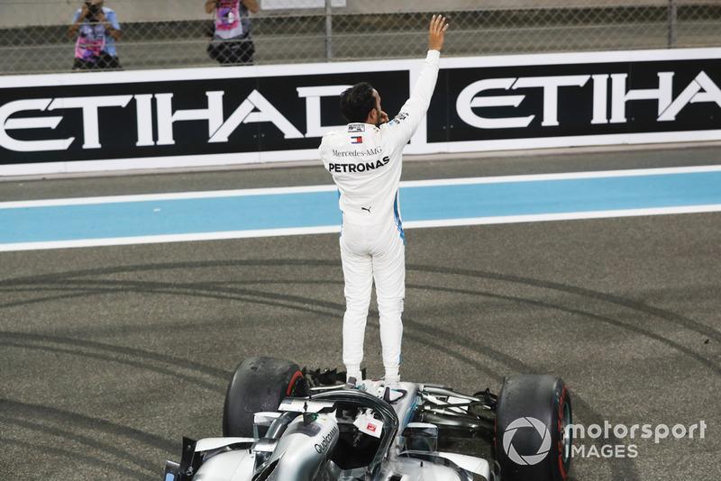 Ganador de la carrera Lewis Hamilton, Mercedes AMG F1 W09 EQ Power+, celebra
