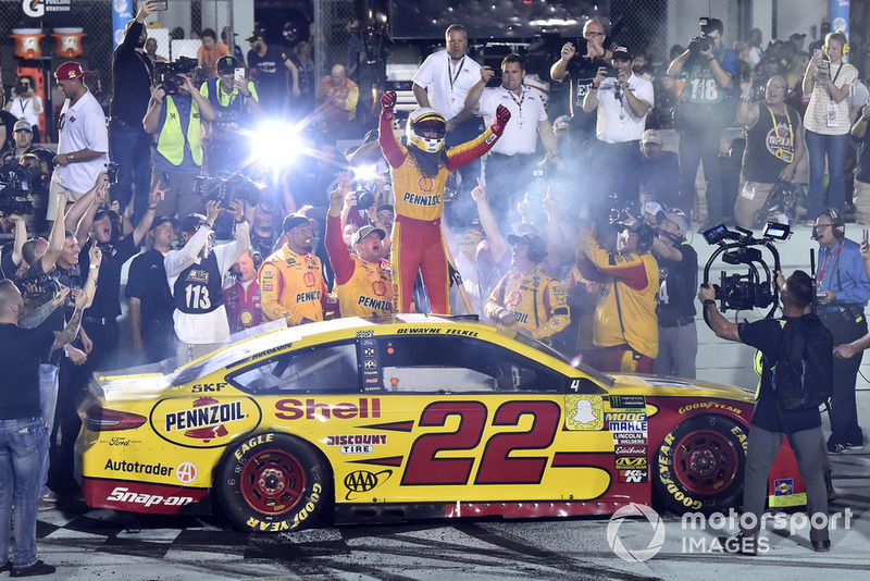 Joey Logano, Team Penske, Ford Fusion Shell Pennzoil celebrates his championship win