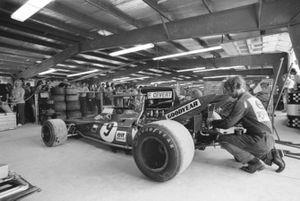 Tyrrell monteurs in het Kendall Tech centre