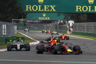 Max Verstappen, Red Bull Racing RB14 leads Lewis Hamilton, Mercedes AMG F1 W09 EQ Power+