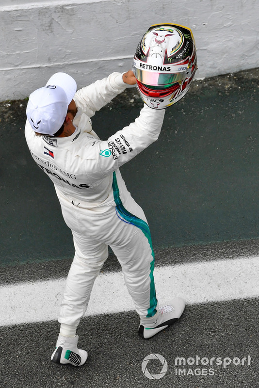 Lewis Hamilton, Mercedes AMG F1 celebrate in parc ferme