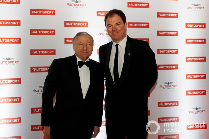 Presidente de la FIA, Jean Todt con el presidente de Motorsport Network, James Allen