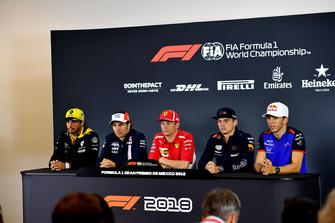 (L to R): Carlos Sainz Jr., Renault Sport F1 Team, Sergio Perez, Racing Point Force India F1 Team, Kimi Raikkonen, Ferrari, Max Verstappen, Red Bull Racing en Pierre Gasly, Scuderia Toro Rosso in de persconferentie