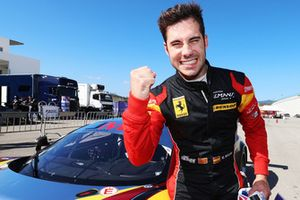 Pole GTE, #66 JMW Motorsport Ferrari F488 GTE: Miguel Molina