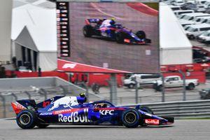 Pierre Gasly, Toro Rosso STR13 en piste et à l'écran