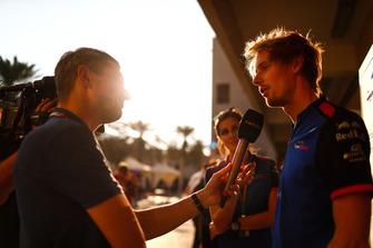 Brendon Hartley, Scuderia Toro Rosso, talks to the press
