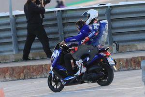 Jonas Folger, Yamaha Factory Racing, après sa chute