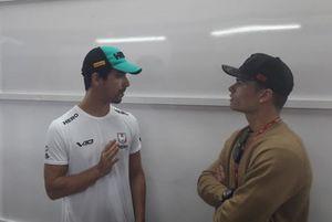 Lucas di Grassi e Eric Granado conversam em Interlagos