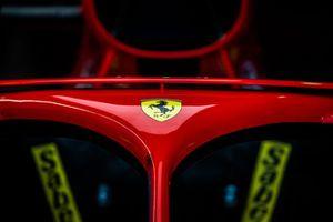 Logo Ferrari sull'Halo