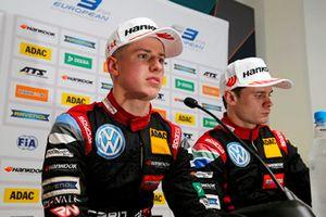 Persconferentie, Jüri Vips, Motopark Dallara F317 - Volkswagen