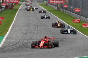 Kimi Raikkonen, Ferrari SF71H, Lewis Hamilton, Mercedes AMG F1 W09, Max Verstappen, Red Bull Racing RB14