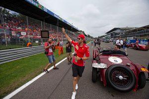 Sebastian Vettel, Ferrari on drivers parade