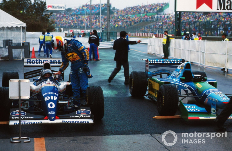 Michael Schumacher, Benetton felicita a Damon Hill, Williams