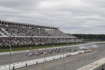 Will Power, Team Penske Chevrolet, Alexander Rossi, Andretti Autosport Honda lead at the start as Spencer Pigot, Ed Carpenter Racing Chevrolet crashes