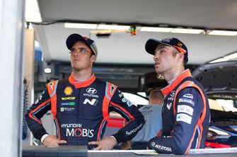 Гонщики Hyundai Motorsport Тьерри Невилль и Хейден Пэддон