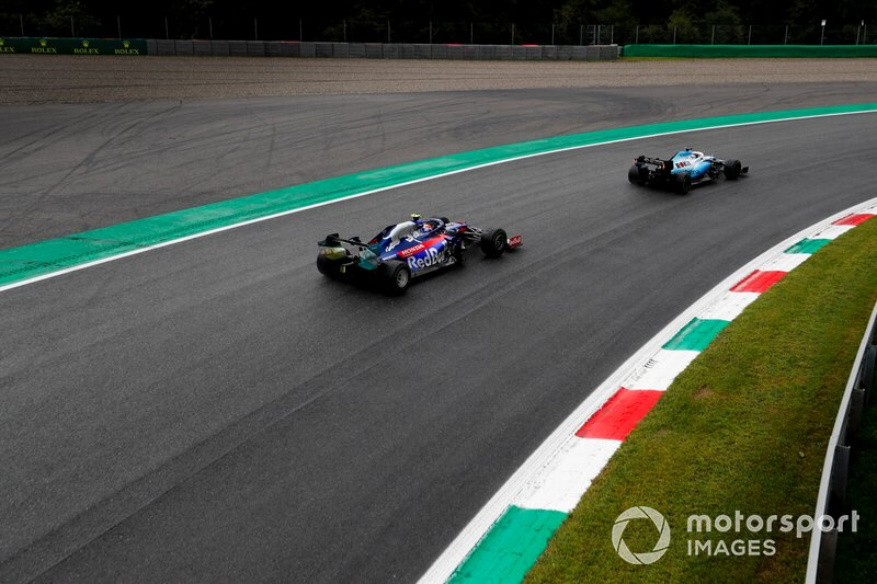 George Russell, Williams Racing FW42, y Daniil Kvyat, Toro Rosso STR14