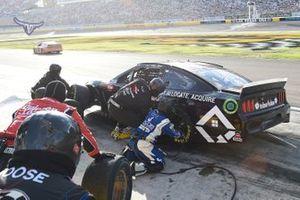 J.J. Yeley, Rick Ware Racing, Chevrolet Camaro AQRE.app