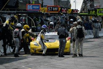 #3 Corvette Racing Corvette C7.R, GTLM: Jan Magnussen, Antonio Garcia au stand.