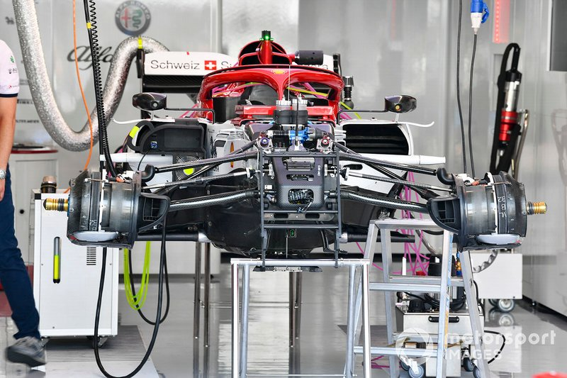 La suspension avant de l'Alfa Romeo Racing C38