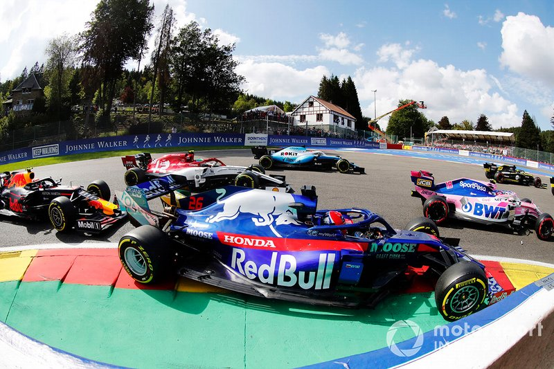 Лэнс Стролл, Racing Point F1 Team RP19, Даниил Квят, Scuderia Toro Rosso STR14, Джордж Расселл, Williams FW42, Антонио Джовинацци, Alfa Romeo Racing C38, и Александр Элбон, Red Bull Racing RB15