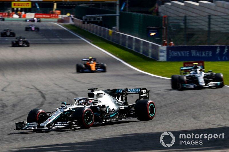 Lewis Hamilton: volta 6