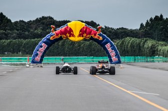 Max Verstappen, Red Bull Racing RB8, Takuma Sato, Honda RA272