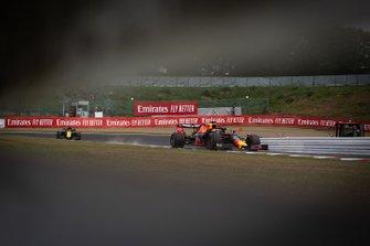 Макс Ферстаппен, Red Bull Racing RB15, и Даниэль Риккардо, Renault Sport F1 Team R.S.19