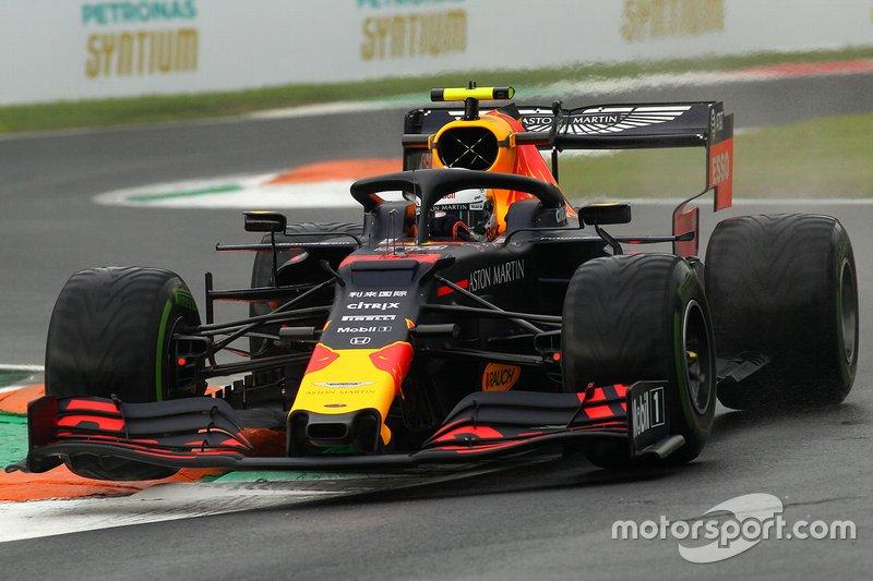 Alex Albon – volta 3 (Após ser atingido por Sainz)