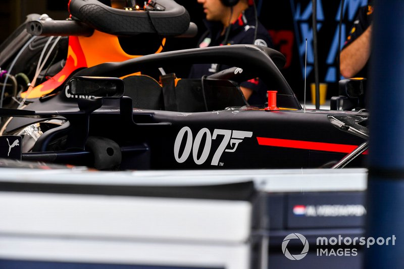 Logo de 007 en el Red Bull Racing RB15