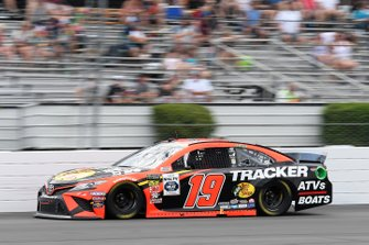 Martin Truex Jr., Joe Gibbs Racing, Toyota Camry Bass Pro Shops/Tracker Off Road