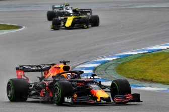 Max Verstappen, Red Bull Racing RB15, leads Nico Hulkenberg, Renault F1 Team R.S. 19