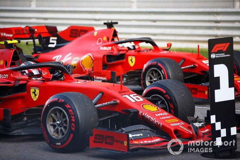 Polesitter Charles Leclerc, Ferrari SF90, terzo classificato Sebastian Vettel, Ferrari SF90