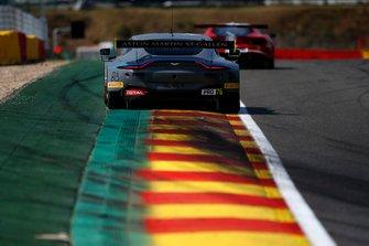 #76 R-Motorsport Aston Martin Vantage AMR GT3: Marvin Kirchhöfer, Jake Dennis, Alex Lynn
