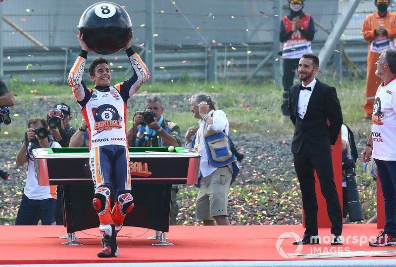 Ganador de la carrera, Marc Márquez, Repsol Honda Team y Campeón del mundo 2019