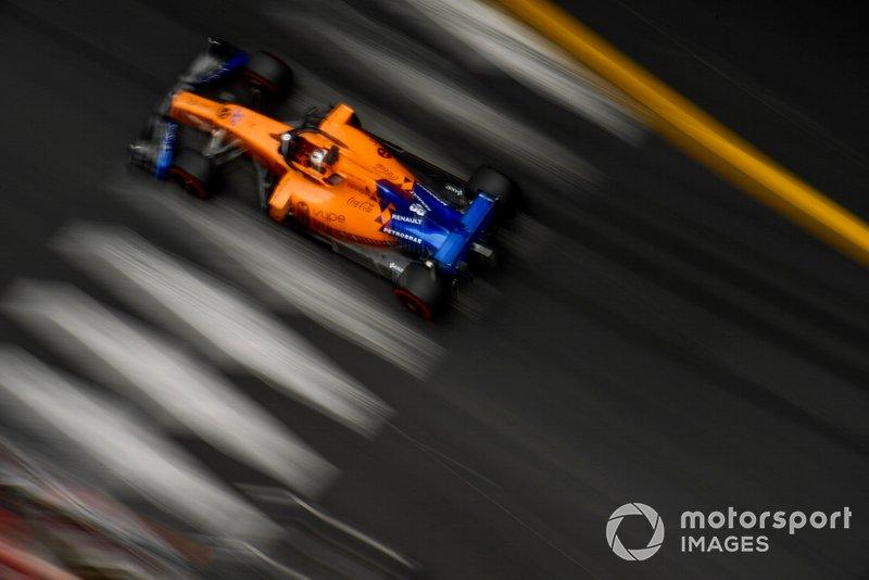 9. Карлос Сайнс (McLaren) – 1:11,417