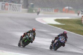 Alex Lowes, Pata Yamaha passes Jonathan Rea, Kawasaki Racing Team