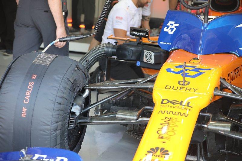 McLaren MCL34 suspensión delantera detalle