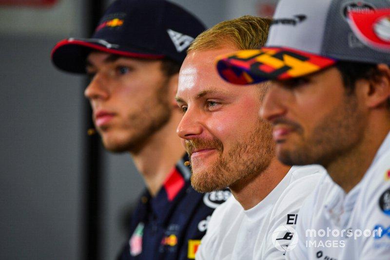 Valtteri Bottas, Mercedes AMG F1, Carlos Sainz Jr, McLaren y Pierre Gasly, Red Bull Racing en conferencia de prensa