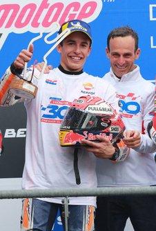 Podium: race winner Marc Marquez, Repsol Honda Team, Alberto Puig, Repsol Honda Team Team Principal
