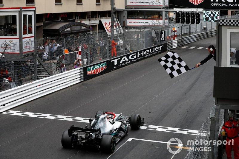Hamilton holds off Verstappen to win