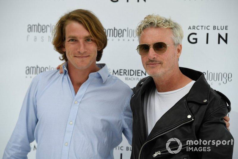Freddie Hunt ve Eddie Irvine, Amber Lounge moda şovu