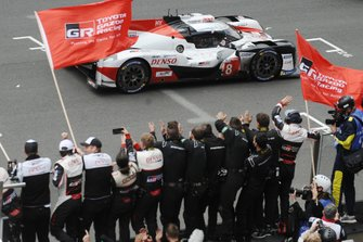 1. #8 Toyota Gazoo Racing Toyota TS050: Sébastien Buemi, Kazuki Nakajima, Fernando Alonso