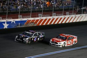 Ryan Blaney, Team Penske, Ford Mustang DEX Imaging Kevin Harvick, Stewart-Haas Racing, Ford Mustang Mobil 1