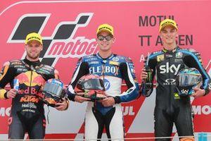 Podium: racewinnaar Augusto Fernandez, Pons HP40, tweede plaats Brad Binder, KTM Ajo, derde plaats Luca Marini, Sky Racing Team VR46