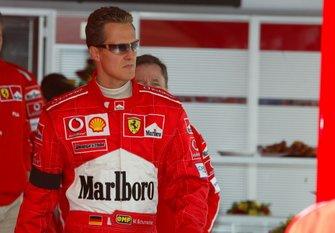 Победитель гонки Michael Schumacher, Ferrari, с траурной повязкой в память о смерти своей матери