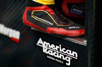 Sebastien Bourdais, Dale Coyne Racing with Vasser-Sullivan Honda, schoenen