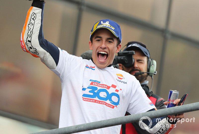 Márquez iguala a Rossi y Lorenzo